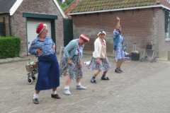 Hinke Kalsbeek   Leysterpad Ouwe Syl, act Old Ladies